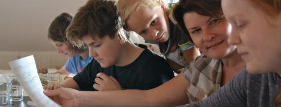 Kompositionsunterricht bei Silke Fraikin_Sommerkurs der Komponistenklasse Dresden 2013_Foto Jana Neddermeyer
