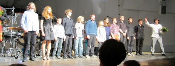 Tonlagen2012_Komponistenklasse beim Schlussapplaus_Foto Raphael Gärtig
